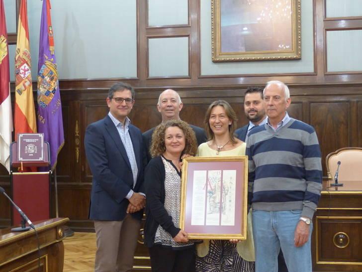 La Asociación Reconquista y Amigos del Castillo de Jadraque logra por el V Premio Álvar Fáñez