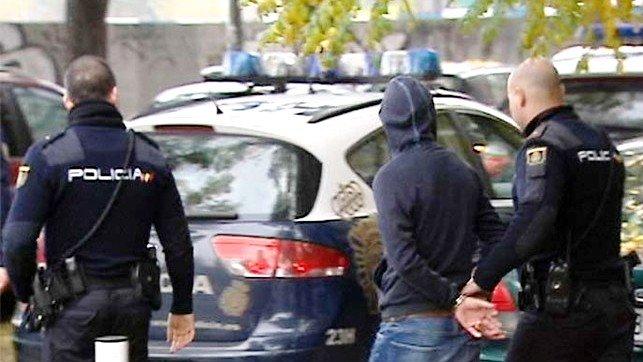 Detenidos tres jóvenes en Guadalajara por agredir a otros dos en un local de ocio con una barra de hierro y patadas