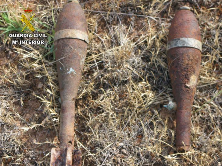 La Guardia Civil desactiva un proyectil de artillería y dos granadas de mortero de la Guerra Civil en Miralrío