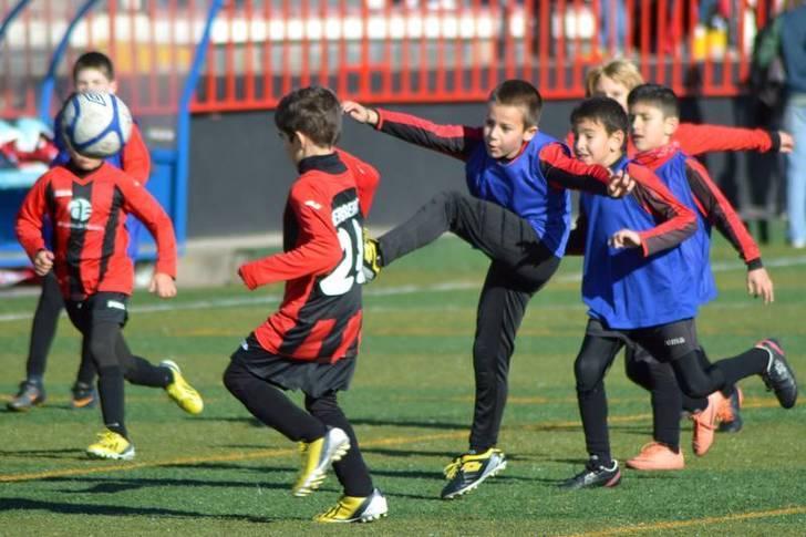 Imagen de archivo de la Escuela Municipal de Fútbol. Fotografía: Álvaro Díaz Villamil / Ayuntamiento de Azuqueca