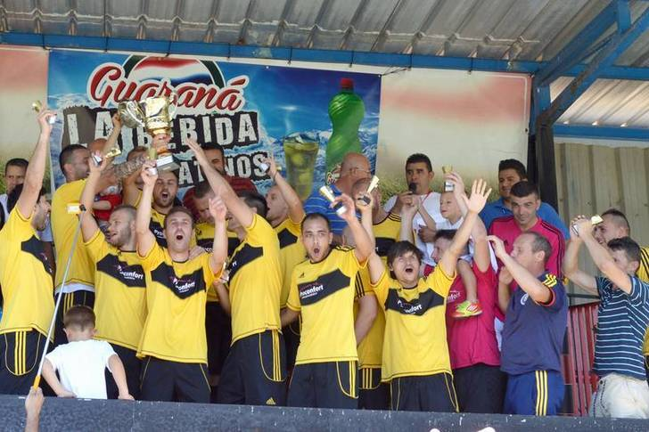 La selección de Rumanía, campeona del VII Mundialito de Integración de Fútbol de Azuqueca