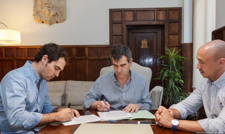 Suscrito el contrato para la gestión de la plaza de toros durante los próximos cuatro años