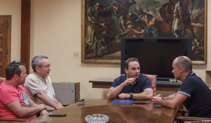 Reunión entre la Asociación Provincial de Auto-Taxis y el Ayuntamiento