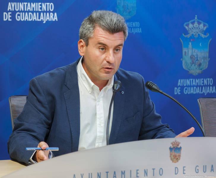 El Ayuntamiento de Guadalajara inicia los trámites para obtener un ahorro financiero de unos dos millones
