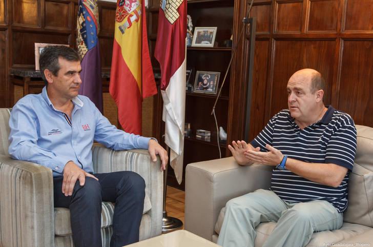 """Román: """"Guadalajara está dispuesta a acoger a refugiados sirios y ofrecer sus recursos para paliar este problema"""""""