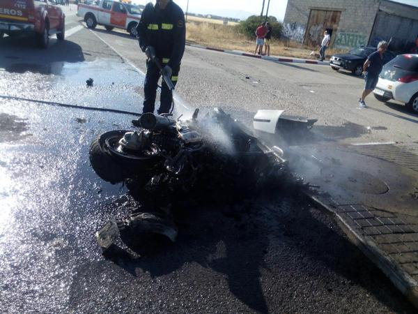 El choque de un turismo contra una de las motos, causa del accidente con 4 heridos de El Casar