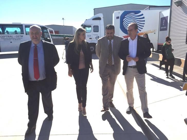 La consejera de Fomento pide al Gobierno de España que se siente a negociar alternativas al trasvase Tajo-Segura