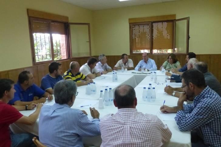El presidente de la Diputación se interesa por las posibilidades del cultivo del espliego como fuente de desarrollo rural