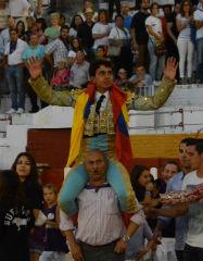 Juan de Castilla golpea primero