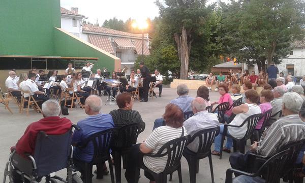 La Banda de Música de Jadraque pone fin a las fiestas de Castilblanco