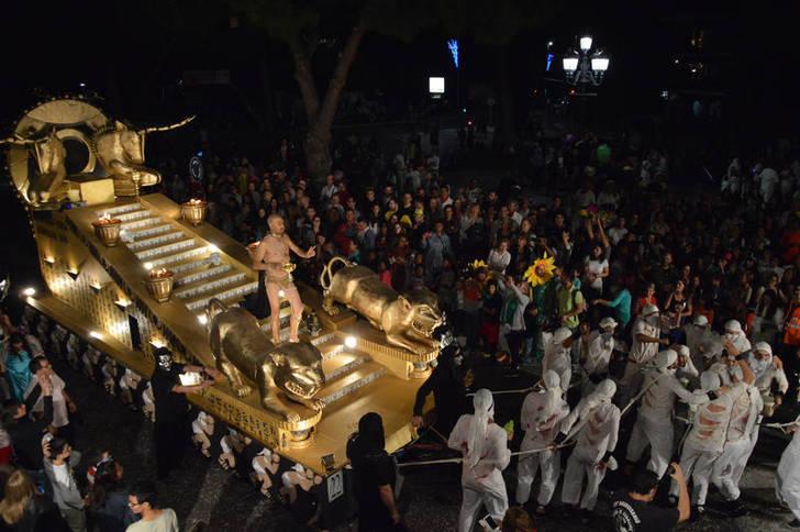 La carroza ganadora del Desfile de este año, en una imagen de Álvaro Díaz Villamil