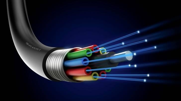 Lanzan una campaña de recogida de firmas para que se instale fibra óptica en El Casar