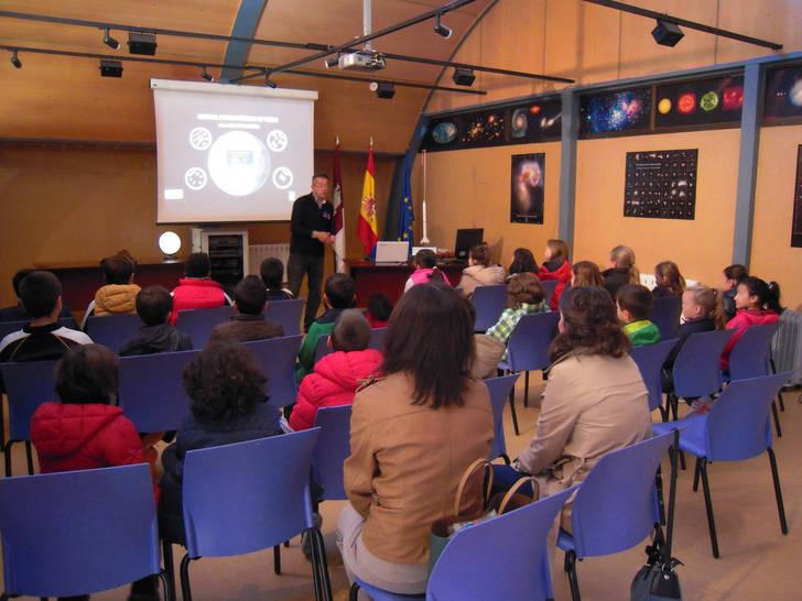 El Aula Municipal de Astronomía de Yebes inicia la cuarta temporada con una avalancha de reservas