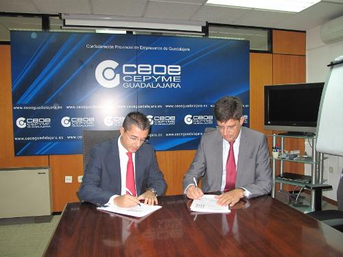 UAH y Ceoe firman un convenio para facilitar las prácticas laborales