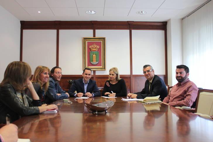 La Consejería de Fomento se compromete con Cabanillas en mejorar la CM-1007 y el Plan Astra
