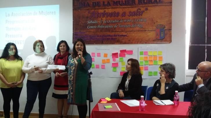 La directora del Instituto de la Mujer destaca en Guadalajara la importancia de fortalecer las redes de mujeres entre las asociaciones