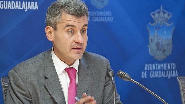 """Alfonso Esteban: """"La moción está en vías de cumplimiento. Aquí nadie tenemos nada que ocultar"""""""