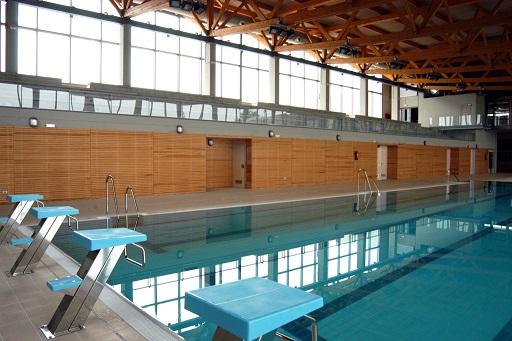 Piscina comienzan las obras de la piscina municipal de for Piscina huerta de lara