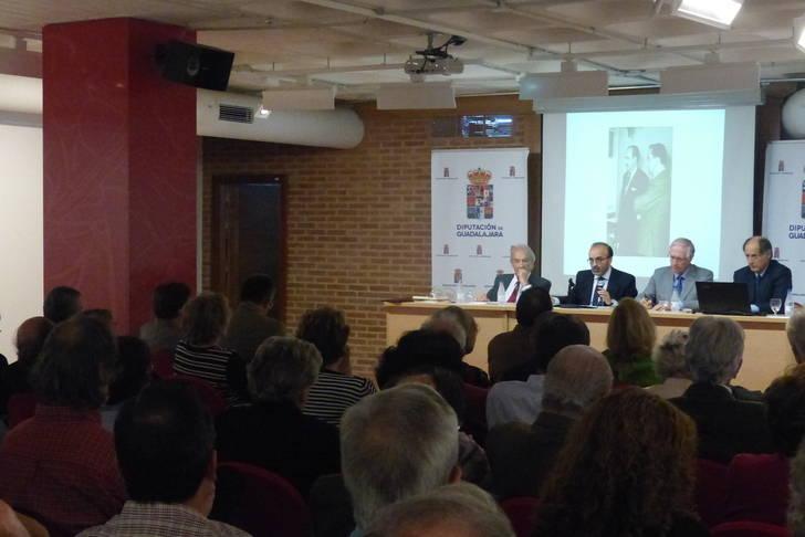 La Diputación rinde un emotivo homenaje al periodista José de Juan en el centenario de su nacimiento