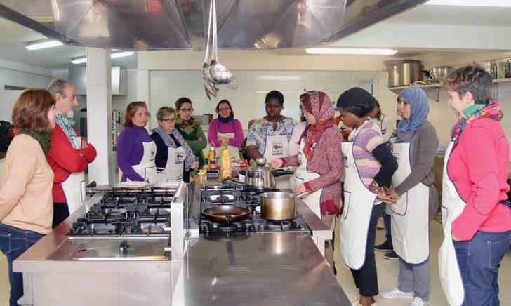 La última de las sesiones se dedicó a la cocina marroquí. Fotografía: Álvaro Díaz Villamil/ Ayuntamiento de Azuqueca de Henares