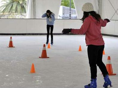El Ayuntamiento de Guadalajara instala una pista de hielo para dinamizar el casco esta Navidad