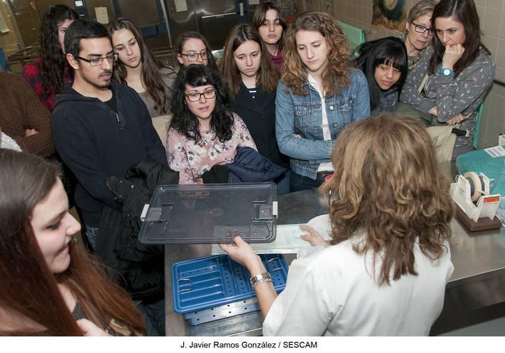 Un centenar de alumnos de Formación Profesional conoce el funcionamiento de distintas unidades del Hospital de Guadalajara