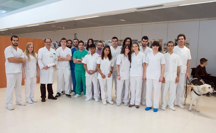 El Hospital Nacional de Parapléjicos recibe a los alumnos de fisioterapia de la ONCE