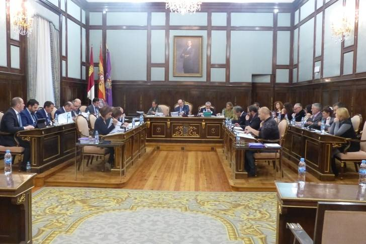 El Pleno aprueba el Presupuesto de la Diputación para 2016 que asciende a más de 58 millones de euros