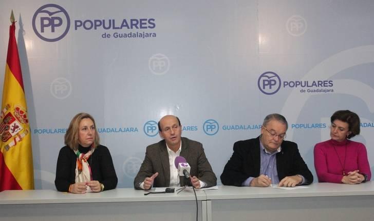 """El PP califica como """"inadmisible"""" la cesión de senadores del PSOE a fuerzas políticas que quieren romper la unidad de España"""