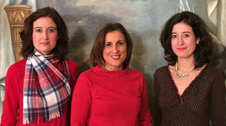 La diputada de Ciudadanos recibe a las historiadoras alcarreñas María y Laura Lara