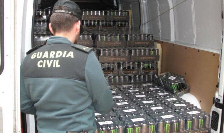 Tres detenidos por comprar latas de bebidas energéticas robadas en Cabanillas