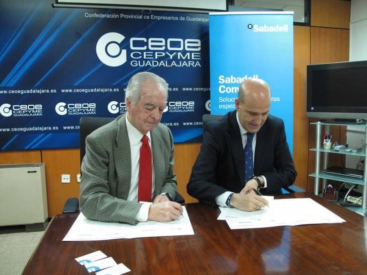 CEOE-CEPYME y Banco Sabadell firman un convenio de colaboración