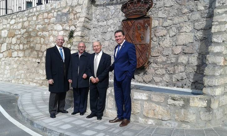 El alcalde de Jadraque y el diputado de Bienestar Social acompañan a los Jubilados en la fiesta de su Patrón