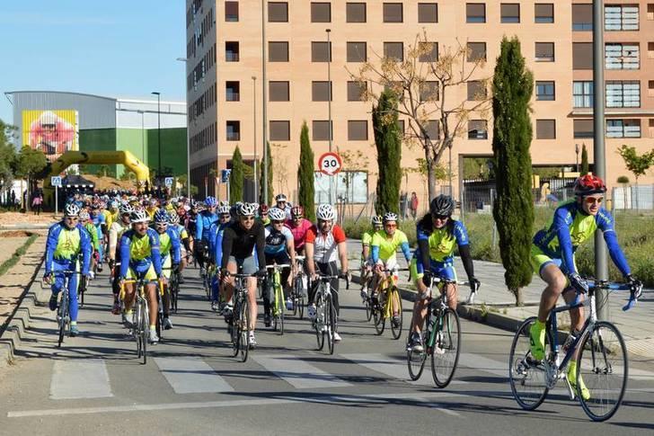 Imagen de la primera Marcha Cicloturista. Fotografía: Álvaro Díaz Villamil / Ayuntamiento de Azuqueca