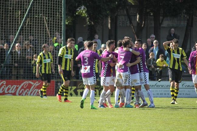 Dos goles de estrategia permiten al Dépor traerse los tres puntos de Portugalete