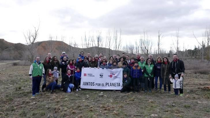 Mahou San Miguel y WWF restauran la ribera del río Henares en una jornada de voluntariado medioambiental