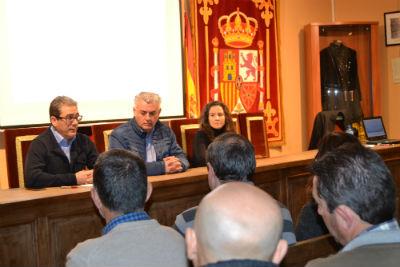 La Junta informa a los viticultores de Mondéjar y Sacedón sobre la nueva normativa para el sector