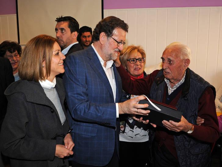 """Rajoy con Cospedal en Toledo : """"Voy a seguir luchando por España y el interés general de los españoles, no me voy a rendir"""""""