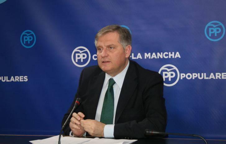 Cañizares critica que los presupuestos de Page, en lugar de valer para mejorar la sanidad, sirven para colocar a su familia y a la gente del PSOE