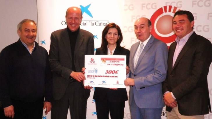 FCG hace entrega de un cheque de 300 euros a UNICEF dentro de su campaña Reyes Millonarios