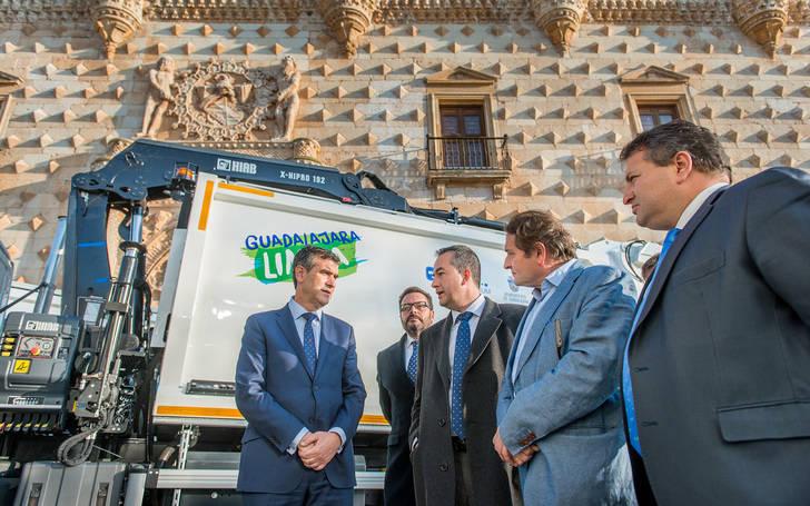 Guadalajara estrena nuevos vehículos y maquinaria de limpieza y recogida de residuos