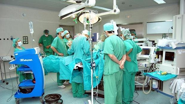 El PP denuncia que la lista de espera quirúrgica ha aumentado en marzo en 1.466 pacientes respecto al mes anterior
