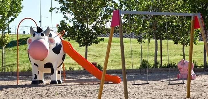 El Ayuntamiento inicia un plan de mejora de los juegos infantiles de la ciudad