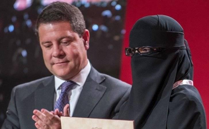 """El PP solicitará en Pleno la repulsa a Page por aplaudir la denigración y la invisibilidad de las mujeres en la """"foto de la vergüenza"""""""