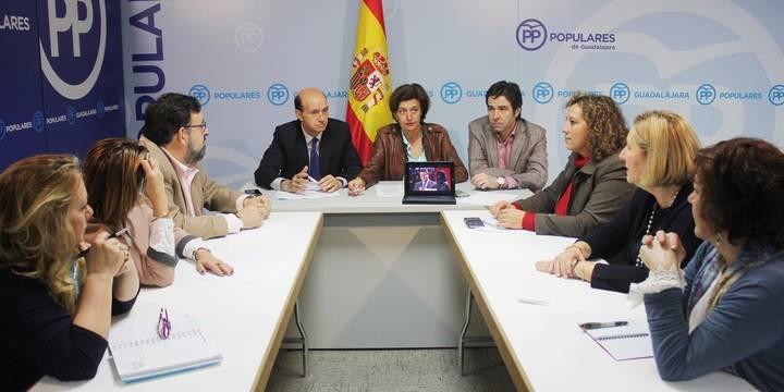 """El PP de Guadalajara a Page: """"Los derechos de las mujeres no se defienden aplaudiendo la opresión que sufren"""""""