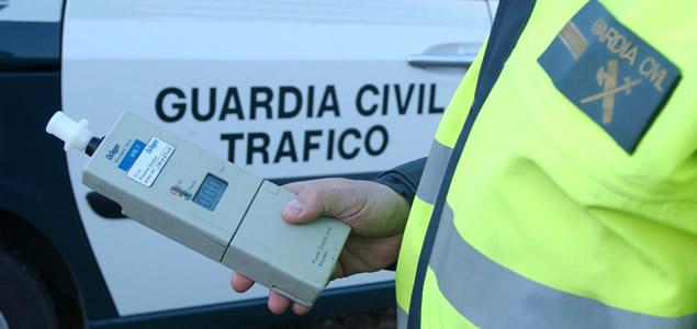 Investigan a un conductor que rebasaba en seis veces la tasa de alcoholemia