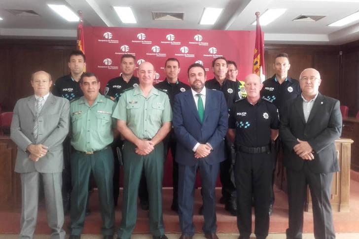 La Guardia Civil reconoce el trabajo de seis Policías Locales de Azuqueca
