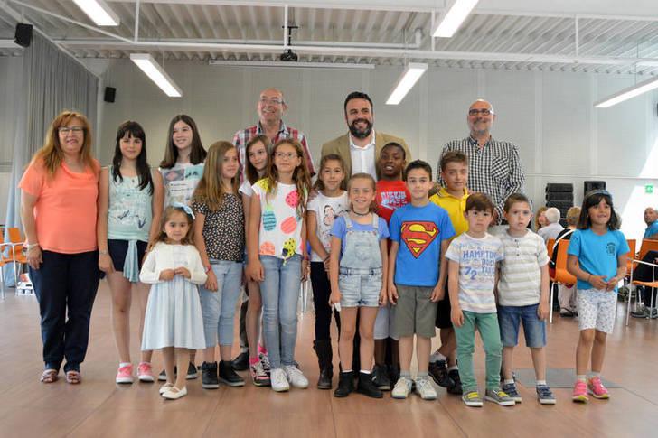 Entregados los premios del II concurso de dibujo infantil 'Día de la Abeja' de Azuqueca