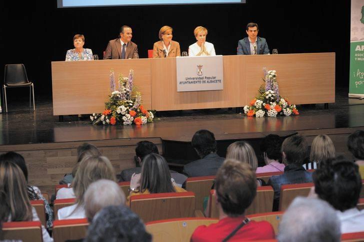 Cospedal indica que el PP hablará en esta campaña de futuro, empleo, bienestar y de garantizar la unidad de España