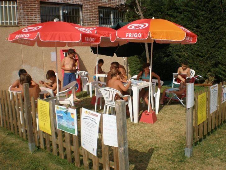 La lectura más refrescante en las piscinas de Alovera